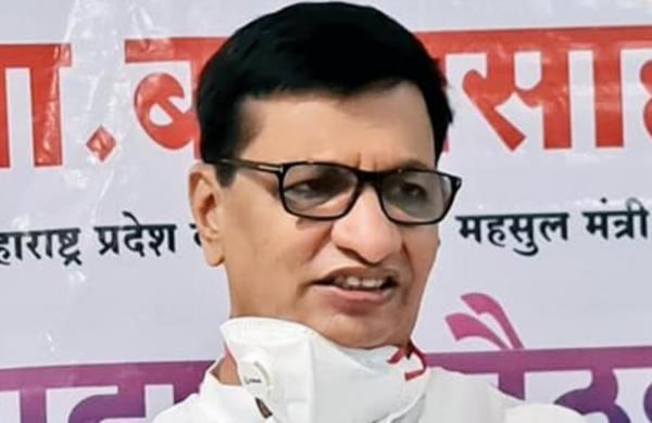Balasaheb Thorat meets Sonia Gandhi, offers to resign