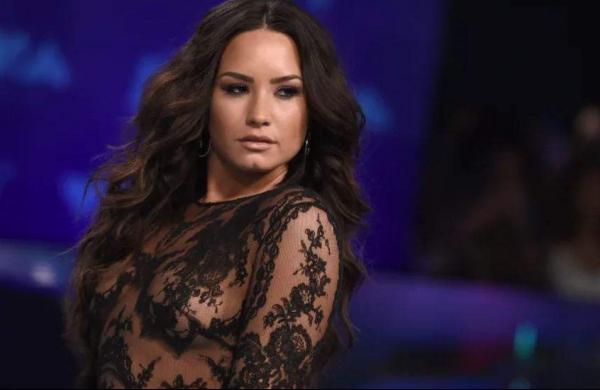 Demi Lovatoto headline NBC comedy 'Hungry'