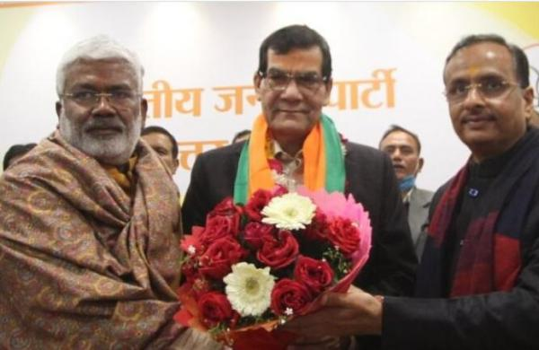 Ex-IAS officer and Modi's trusted lieutenant AK Sharma joins BJP, likely to get crucial role in UP