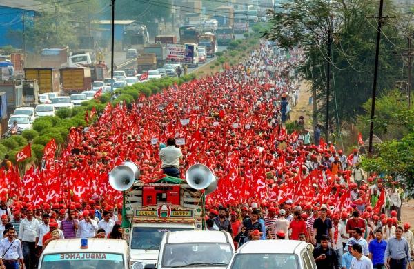 Farm Laws: 50,000 Maharashtra farmers will march towards Raj Bhavan onMonday
