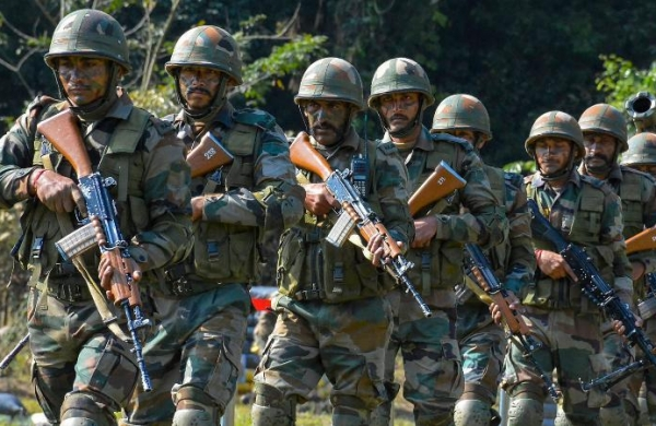 India should be prepared to deal with 'two-front'threat scenario:Gen MM Naravane