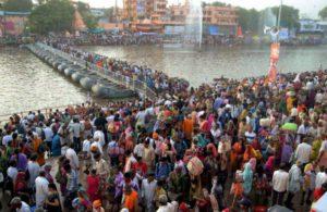 Maa Ganga will take care of us: Coronavirus fails to deterKumbh Mela in Haridwar