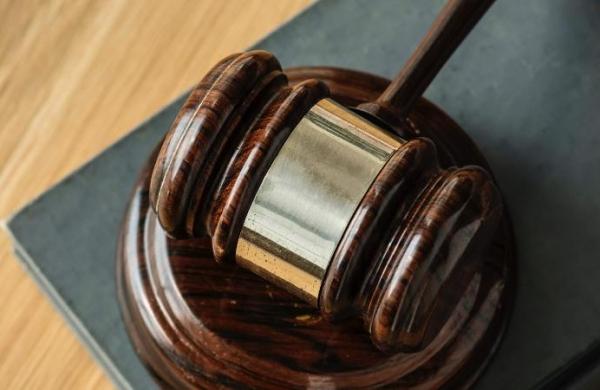 Maharashtra:Court acquits teacher of abetting student's suicide