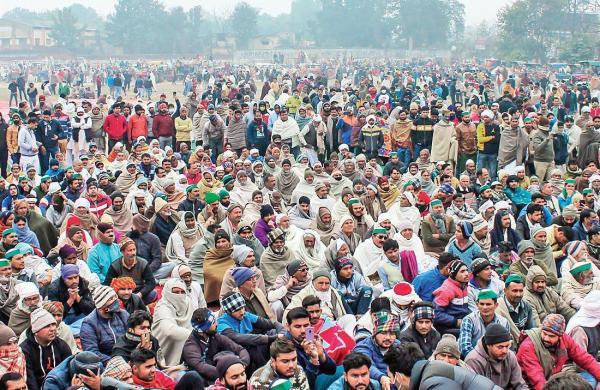 Thousands of farmers attend 'mahapanchayat' in Muzaffarnagar to back BKU