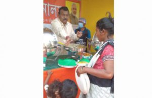Assam's NaMo canteen by BJP leaderprovides food to poor for free