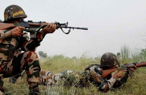 Intruder killed by BSF;Pakistani troops target forward posts in Kathua