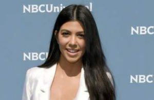 Kourtney Kardashian makes her relationship with Travis Barker public