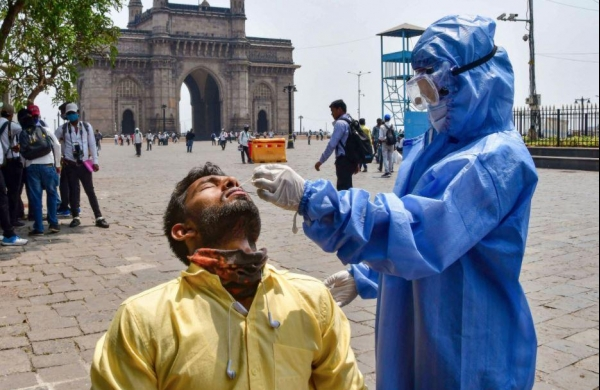 India records 53,480 new COVID-19 cases, 354 deaths