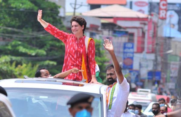 Politics in Kerala has become violent due to LDF's policies: Priyanka Gandhi