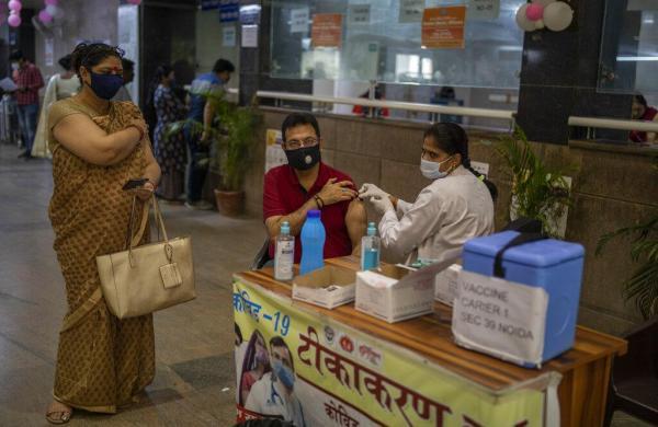 After Harsh Vardhan's outburst against Uddhav government, Centre writes to Maharashtra, Punjab and Delhiflagging below-par vaccination