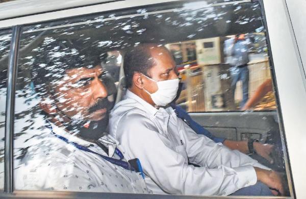 Ambani security scare: Suspended cop Sachin Waze's NIA custody extended till April 9