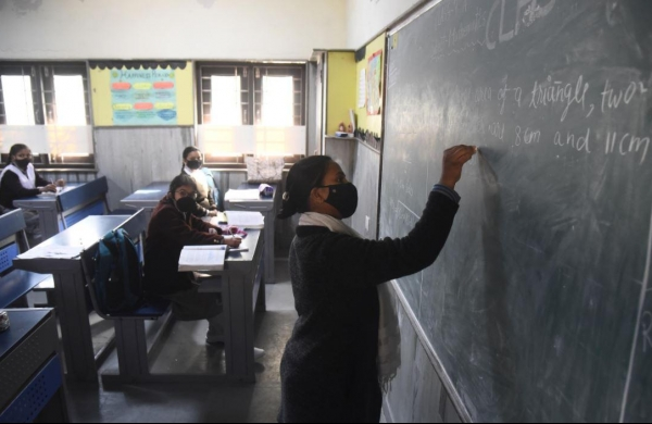 Assam reports 3,137 COVIDcases; state imposes new curbs on physical classes