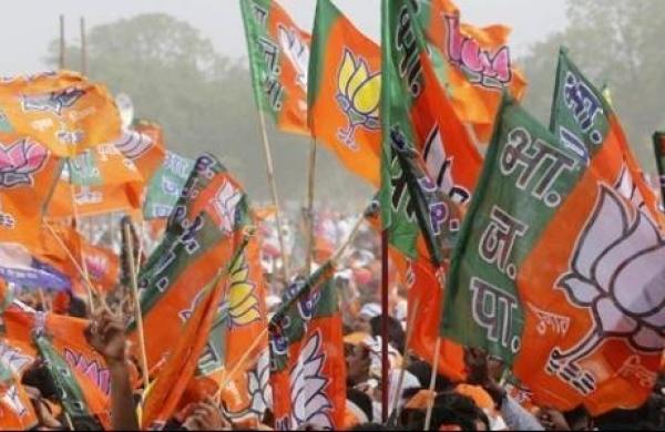 Bengal polls phase five: BJP booth worker diesin Kamarhati, EC seeks report