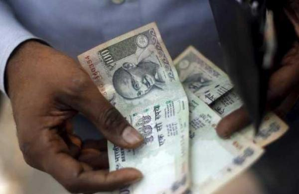 Bihar hikesminimum wages for labourers for six months amid rising Covid cases