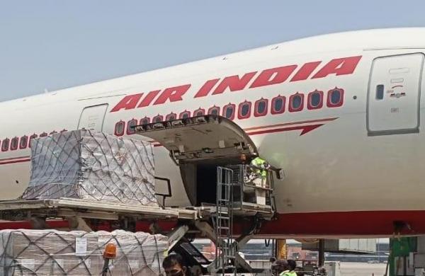 COVID-19: 318 Oxygen Concentrators arrive at Delhi airport from US