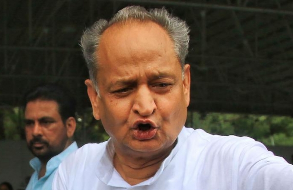 Gehlot favours continuing lockdown, asks officials to make them more stringent