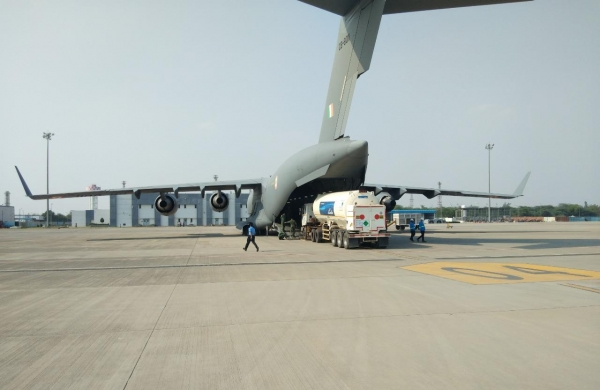 IAF airlifts empty oxygen containers to filling stations across India