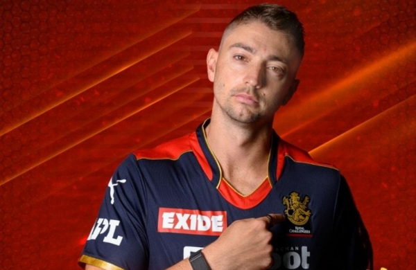 IPL 2021: Daniel Sams joins RCB bio-bubble after recovering fromCOVID-19