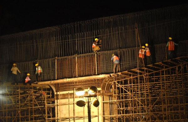 Maharashtra govtgives Rs 1,500 each to 9.17 lakh construction workers