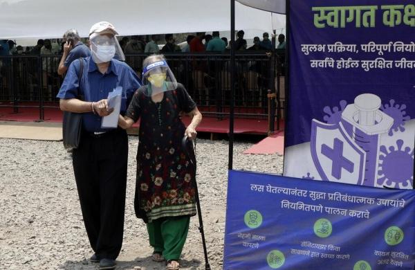 Maharashtra may see thirdCOVID wavein July-August, Uddhav tells officials to prepare