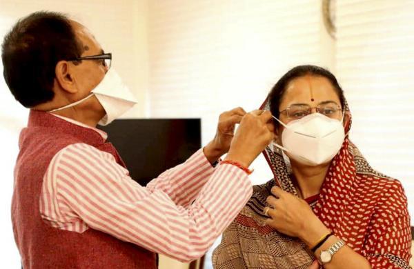 Not wearing mask amounts to crime in Madhya Pradesh: CM Shivraj Singh Chouhan