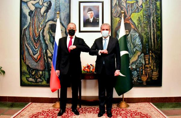Pakistan and Russia foreign ministersreview cooperation in defence, counter-terrorism