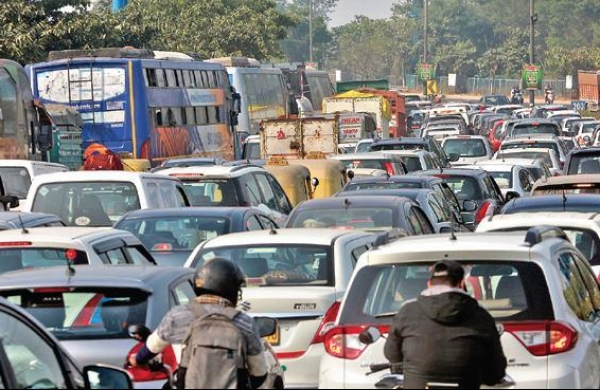 SC adjourns to May 7 seeking directions to keep Delhi-Noida road clear