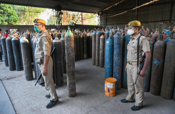 Two men held for black marketing of oxygen cylinders in Ghaziabad amid COVID crisis