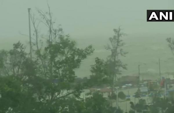 Cyclone Yaas pounds Odisha-Bengal coasts, may move to Jharkhand by midnight