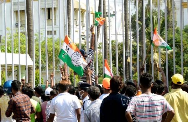 Narada case: CBI moves Supreme Court against Calcutta HC order allowing house arrest of TMC leaders