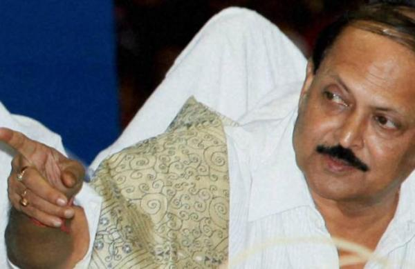 Narada case: West Bengal Minister Subrata Mukherjee released from hospital, in house arrest
