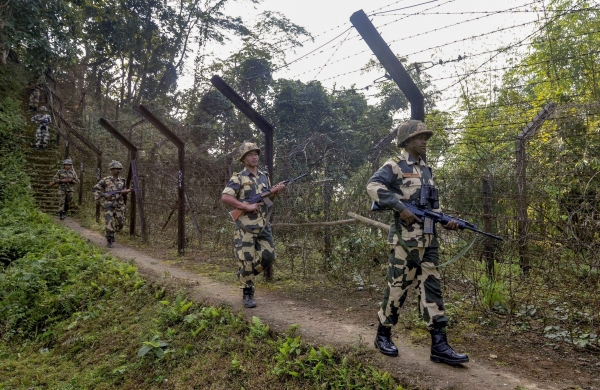 Pakistan Rangers violate ceasefire, open fire at BSF men along International Border in J&K
