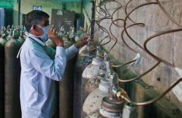 'Raise medical oxygen allocation by 200 MT': Maharashtra writesto Centre
