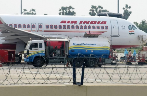 Will vaccinate all employees by month-end, says Air India as pilots body threatens stir