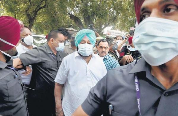 Amarinder meets 3-member AICC panel set up to end factionalism in Punjab