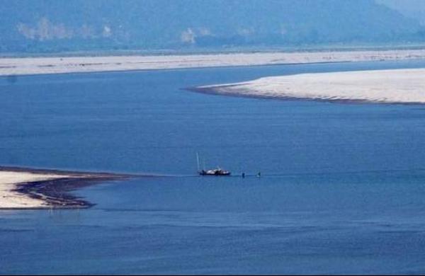 Brahmaputra water level rising, parts of Kaziranga inundated