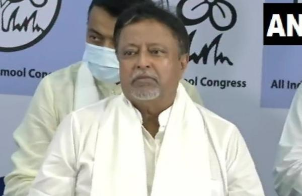 Centre withdrawsZ-category VIP security cover of turncoat MLA Mukul Roy