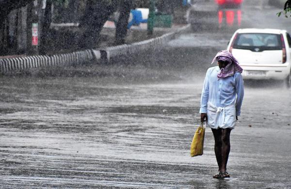 Monsoon advances in Madhya Pradesh; IMD issues orange alert in 11 districts