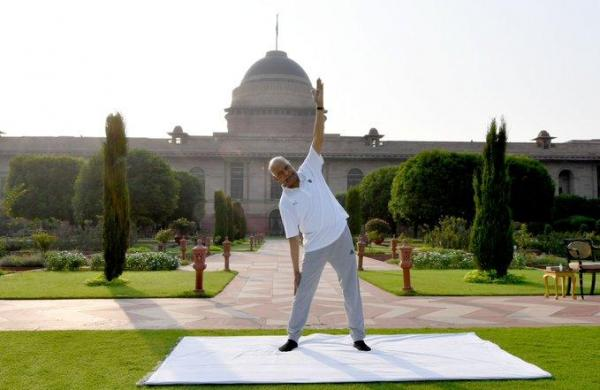 Yoga can be extremely helpful during Covid: President Kovind