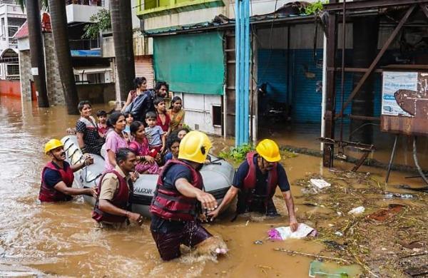 Deputy CM Ajit Pawar speaks with Rajnath Singh over Maharashtra flood situation