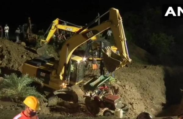 Four bodies recovered, 19 rescued after several people fall in well in Madhya Pradesh'sVidisha