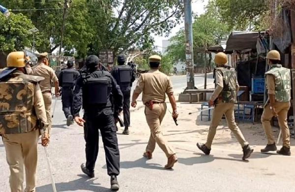 'Have been slapped, BJP workersbrought bombs': Cop's video duringUP block panchayat polls goes viral