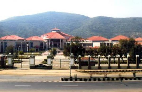 Illegal to restrain unvaccinated people from earning livelihood: Manipur HC
