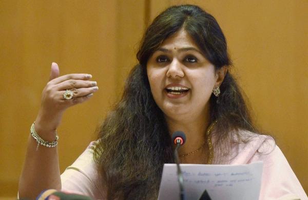Not using any 'pressure tactics'; will always try to avoid 'dharmayuddha', says Pankaja Munde