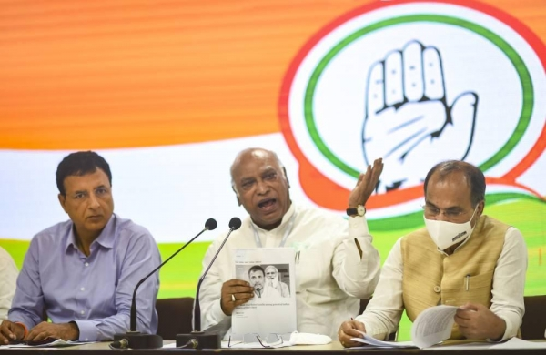 Pegasus row: Opposition meets to chalk up strategy against Modi government; Congress to hold press conferences in every state on Wednesday