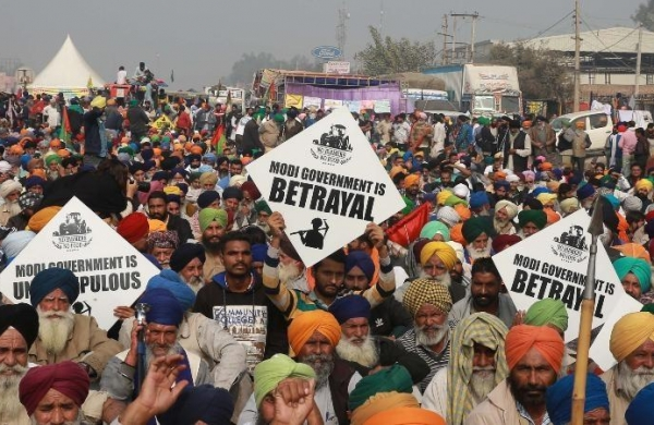 Sirsa: Farmers start indefinite sit-in as talks with officials over sedition cases fail