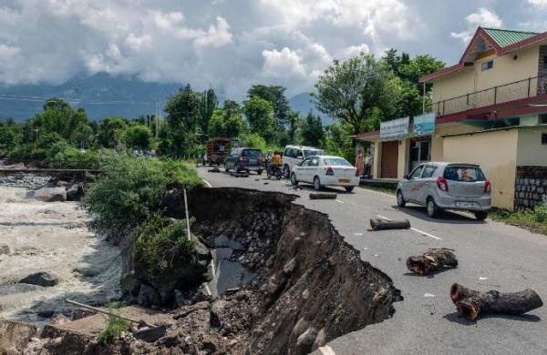 State highway connecting Gramphu to Kaza in Himachal blocked due to landslide