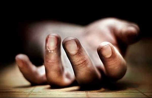 Two Trinamool Congress supporters killed,five others injured in West Bengal