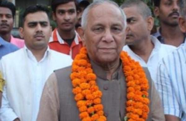Vishnu Sadashiv Kokjesteps down,Rabindra Narain Singh becomesVHP president