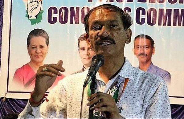 Goa Congress demands dismissal of BJP government, meets Governor